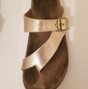 Mephisto Brushed Gold Leather Sandals